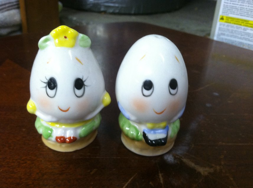 Vintage Ceramic Salt And Pepper Shakers Salt And Pepper Shakers in