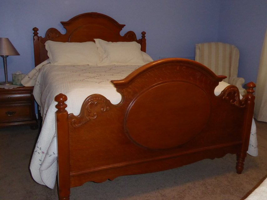 Lexington bedroom furniture victorian sampler furniture for Victorian bedroom furniture