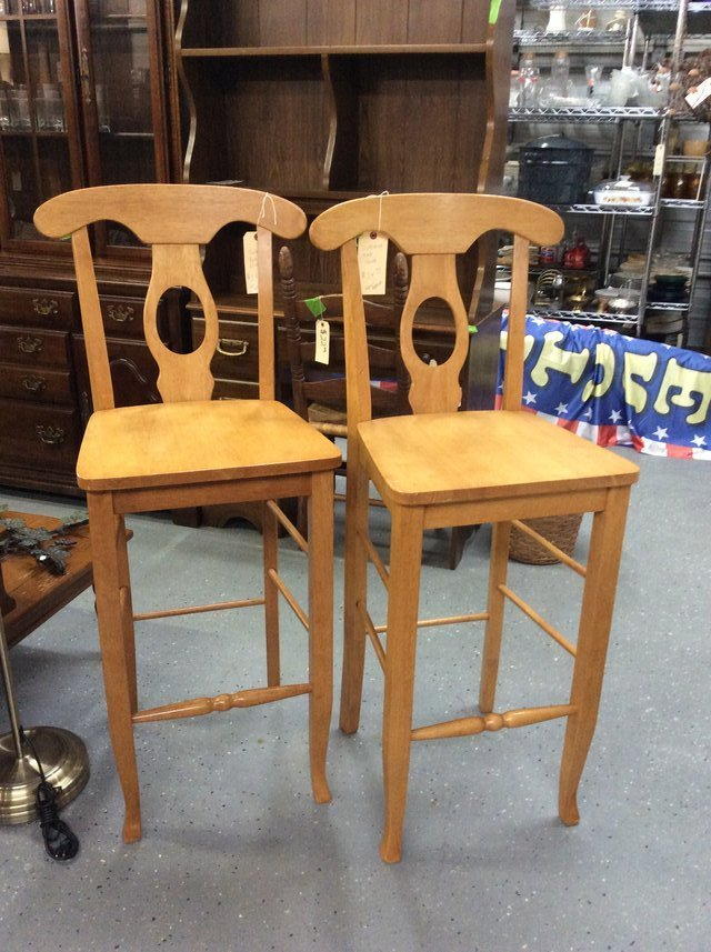 Blonde bar chairs furniture home for sale on cherry for Furniture yard sale
