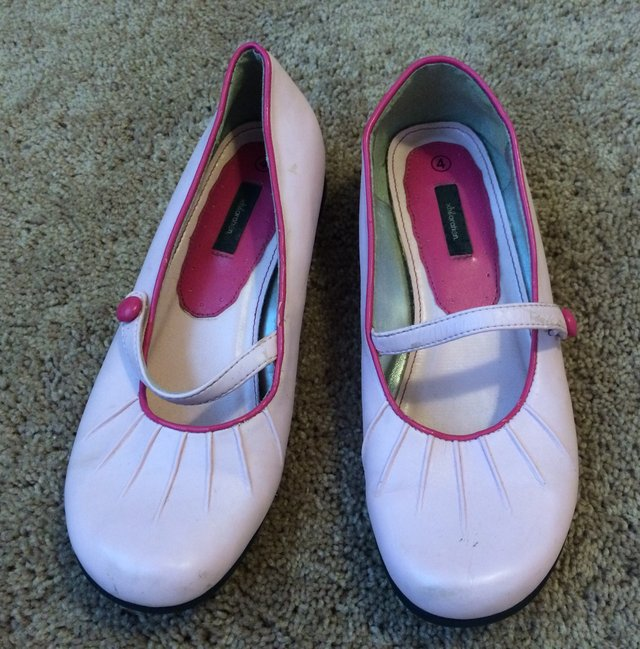 size 4 light / dark pink   Baby & Kids for sale on Robins Bookoo