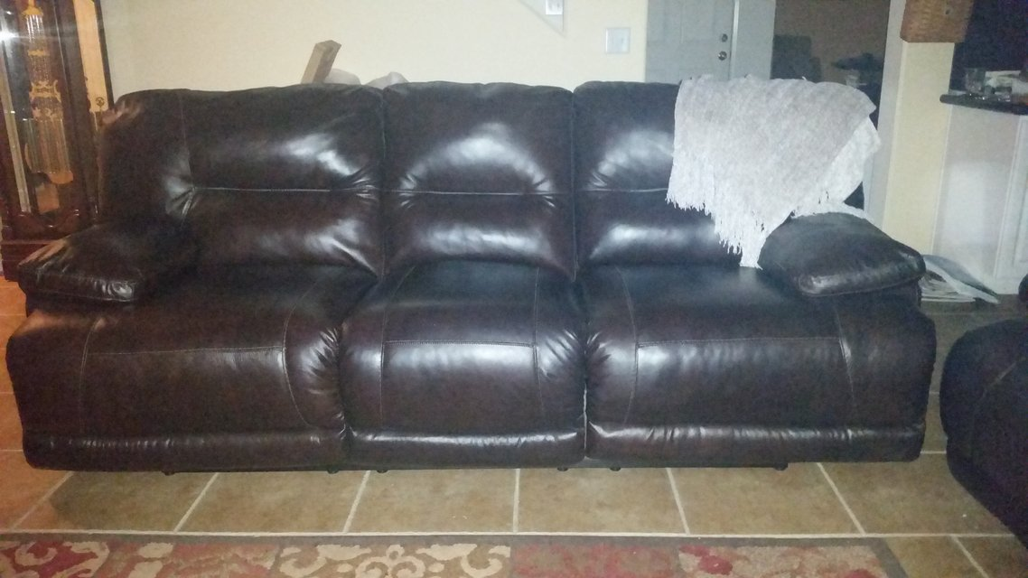 Used furniture sofa in hawaii for Sectional sofas honolulu