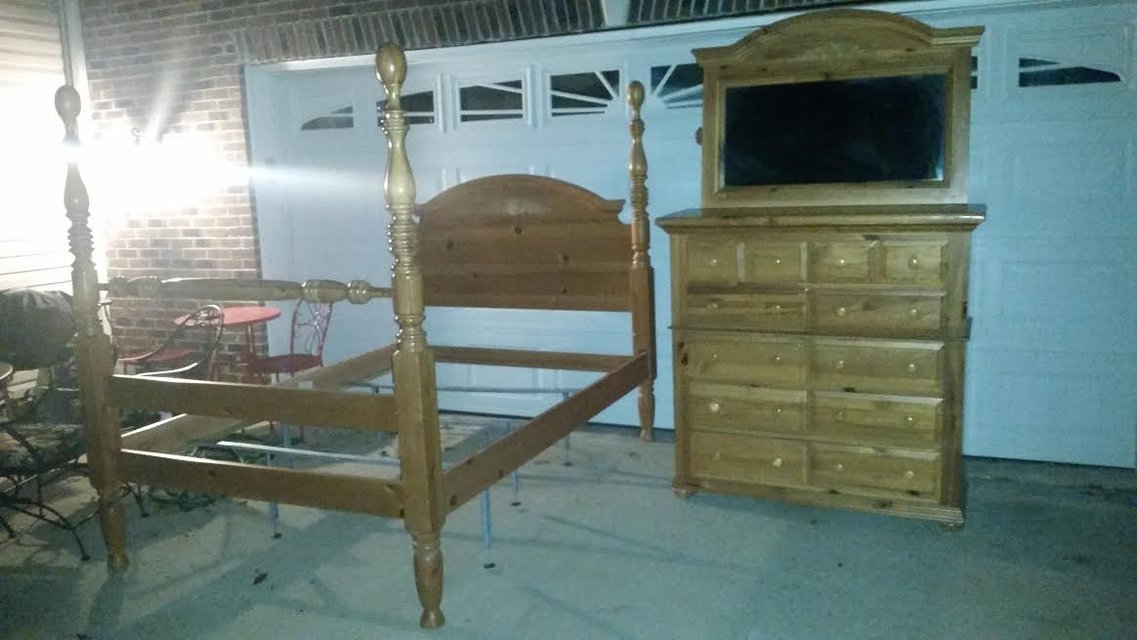 Bassett Honey Pine Amish Style 5 Piece Queen Bedroom Suite Furniture Home By Owner