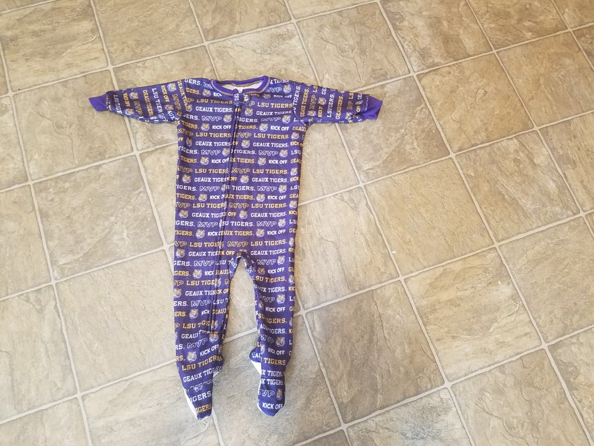 Boys size 18 months LSU Tigers Footed Sleeper | Baby & Kids for ...