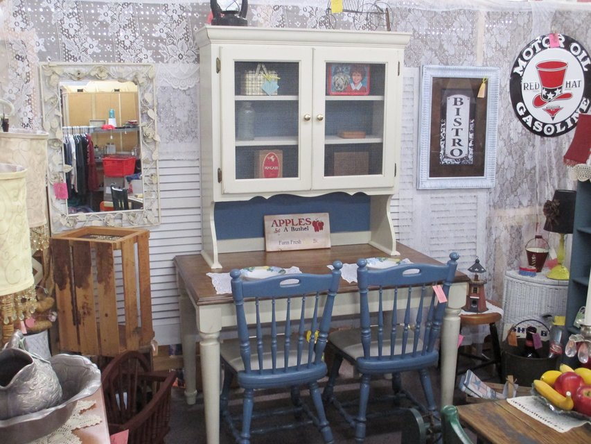 Table Top Hutch With 2 Chairs At Twice As Nice Flea Market Booth