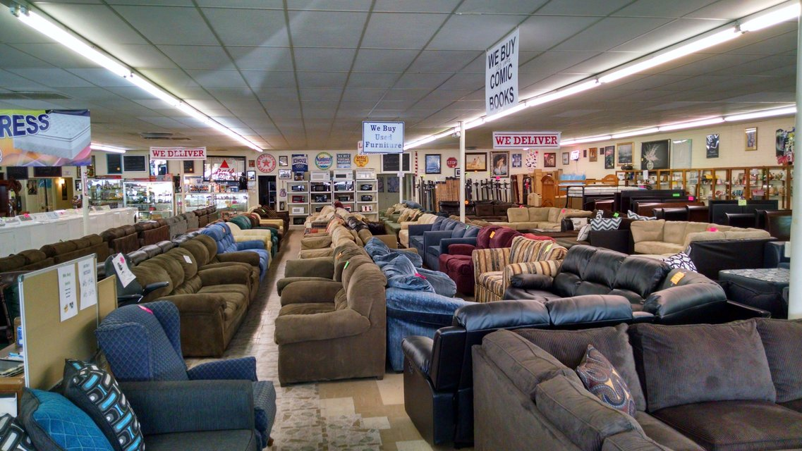 Huge Furniture Sale And Mattresses At The Lowest Prices !!! Financing Also  Available In