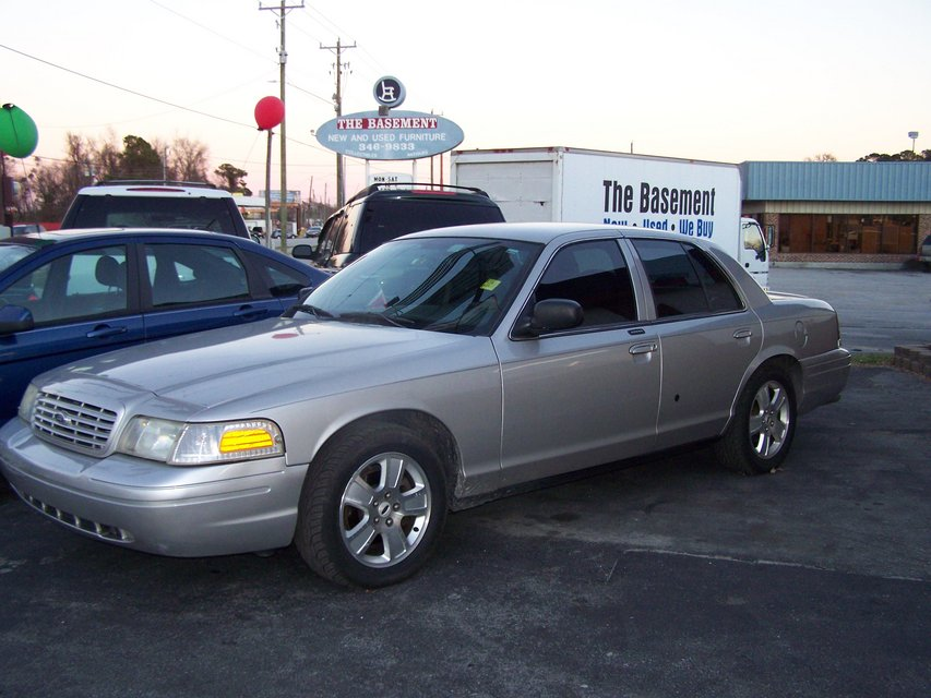 FORD CROWN VICTORIA LX/SPORT AUTO LEATHER LOW MILES ~REDUCED~ in Camp Lejeune